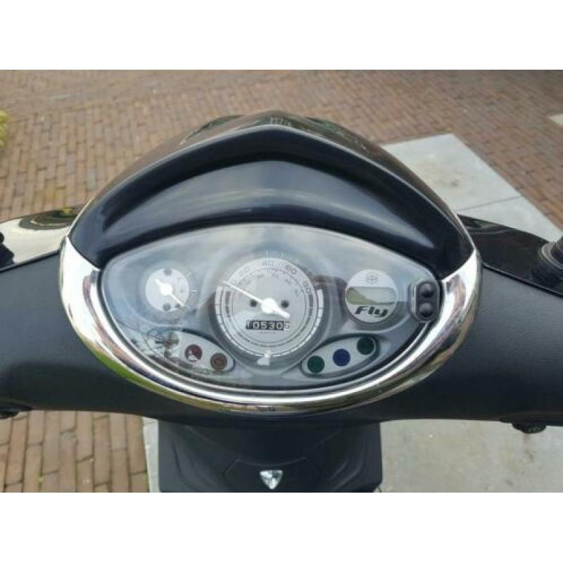 Piaggio Fly 2016 brom